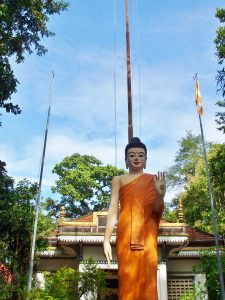 Monk Tour and Pagoda Stay at Sambok Hill