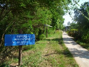 Sign post of Pomelo Homestay